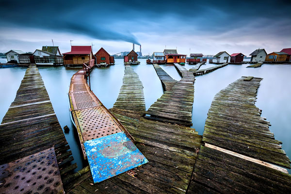 perierga.gr - Bokod: Το χωριό που... κολυμπάει στο νερό!