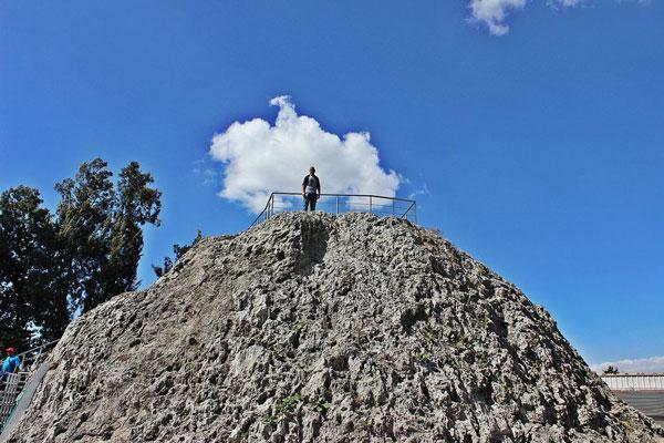 perierga.gr - Εξερευνώντας το εσωτερικό ενός ανενεργού ηφαιστείου!