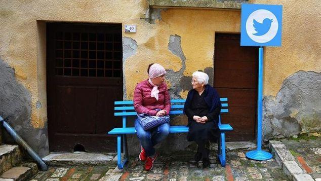 "perierga.gr - Το Ίντερνετ της ""πραγματικής ζωής"" σε ένα μικρό ιταλικό χωριό!"