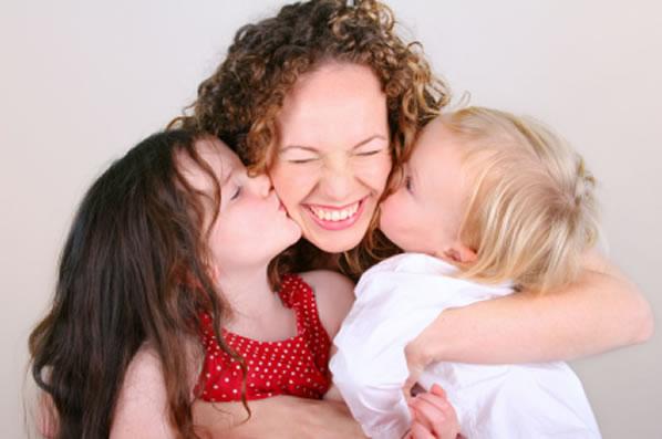 perierga.gr - Ένα συγκινητικό βίντεο για τη Γιορτή της Μητέρας!