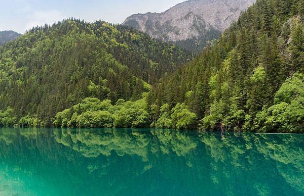 perierga.gr - Αλπικές λίμνες και καταρράκτες στην Κίνα!
