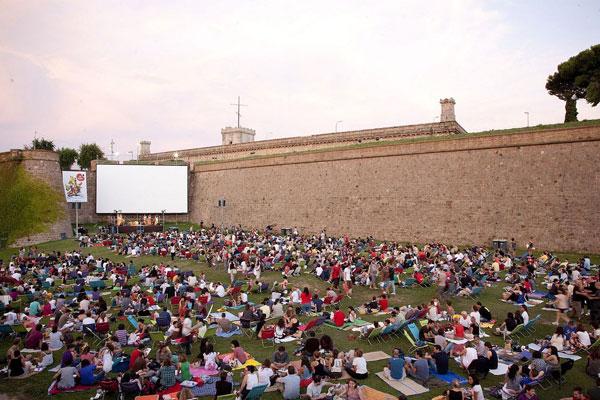 perierga.gr - Tα 12 καλύτερα θερινά σινεμά της Ευρώπης!