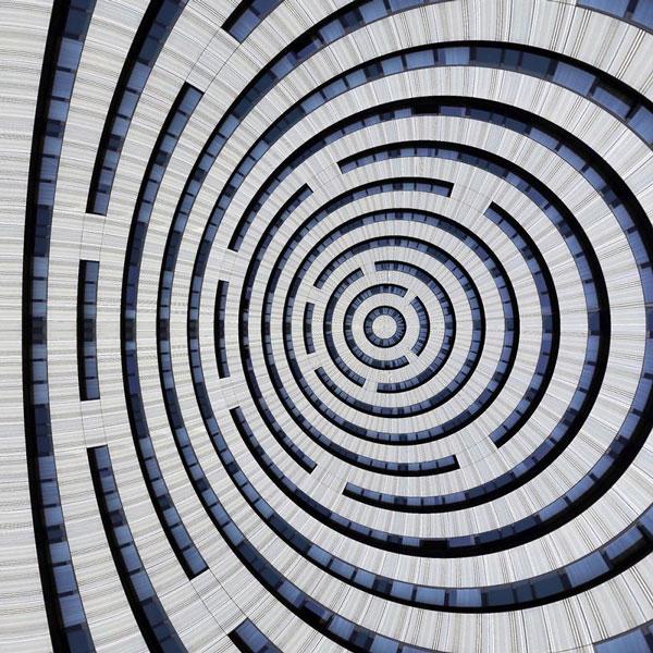 perierga.gr - Απόλυτη συμμετρία σε ασυνήθιστες εικόνες!