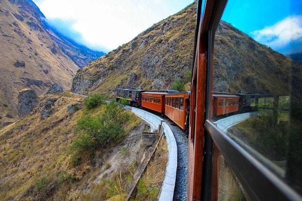 "perierga.gr - ""Η μύτη του διαβόλου"": Ο πιο δύσκολος σιδηρόδρομος στον κόσμο!"