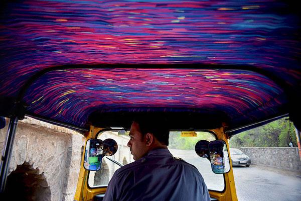 """perierga.gr - Η """"Έναστρη νύχτα"""" του Βαν Γκογκ στα... καθίσματα ενός ταξί!"""
