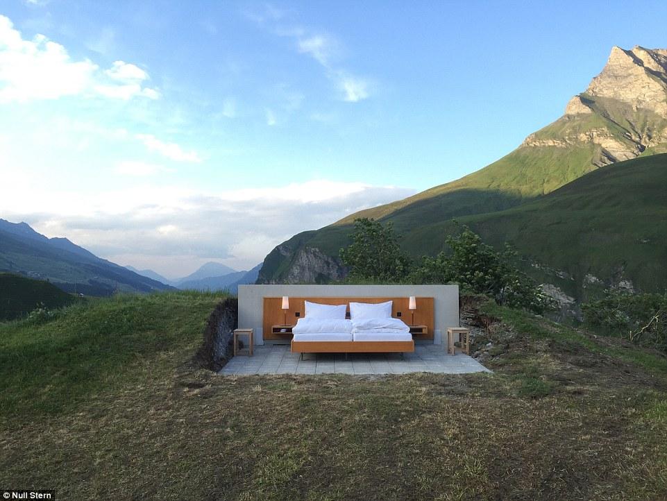 perierga.gr - Υπαίθριο δωμάτιο ξενοδοχείου στις Άλπεις!