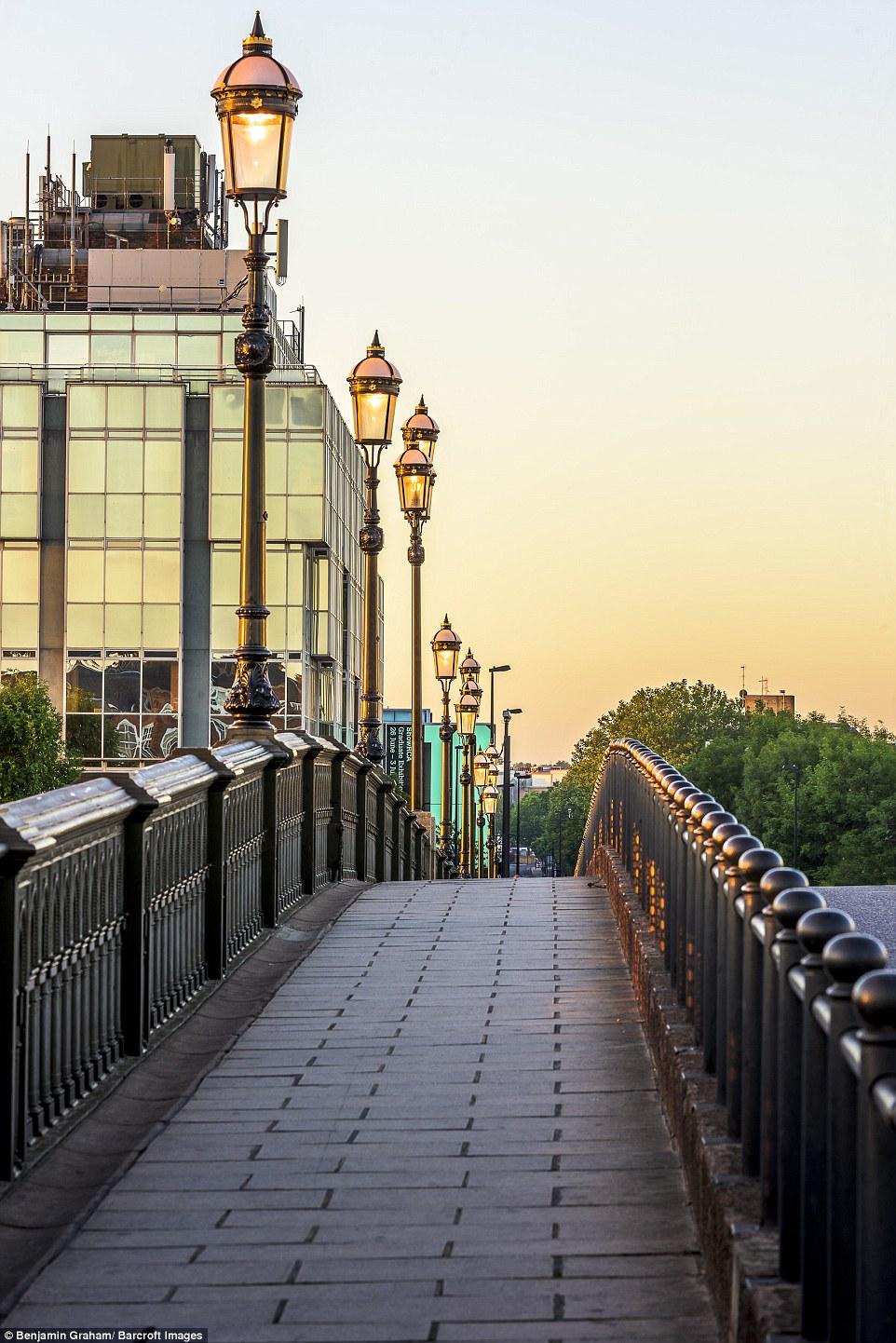 perierga.gr - Εκπληκτικές εικόνες από το άδειο Λονδίνο την αυγή!