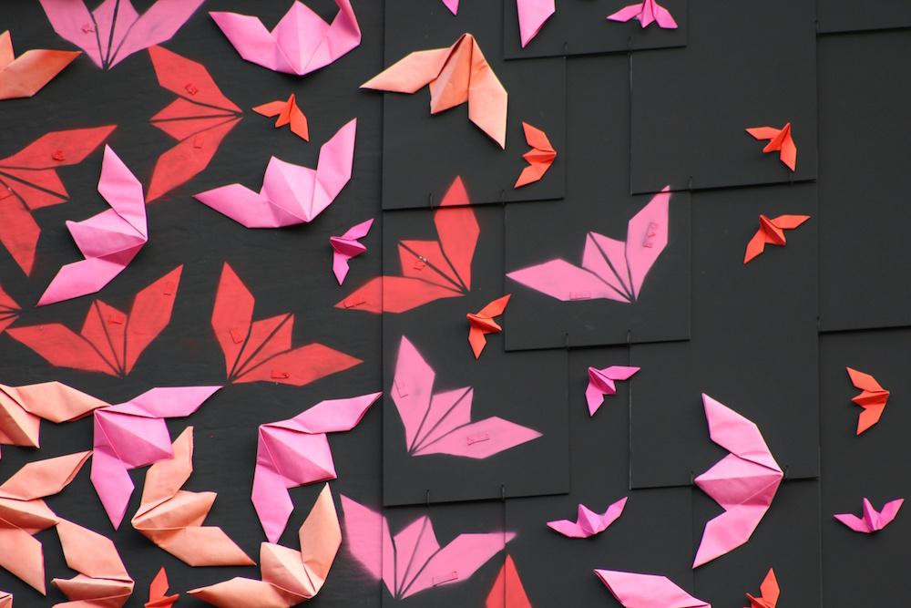 perierga.gr - Τοιχογραφία με 15.000 πτηνά οριγκάμι!