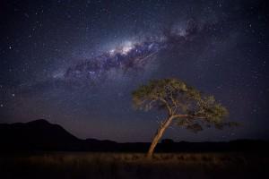perierga.gr - Εντυπωσιακό timelapse από το νυχτερινό ουρανό στην έρημο Ναμίμπια!