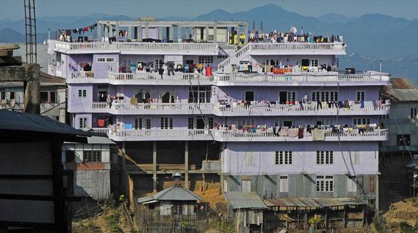 perierga.gr - Άντρας έχει 39 γυναίκες και 94 παιδιά!