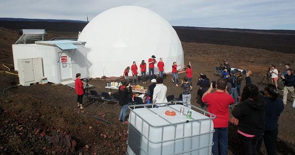 perierga.gr - Eθελοντές της NASA πέρασαν 12 μήνες σε απομόνωση!