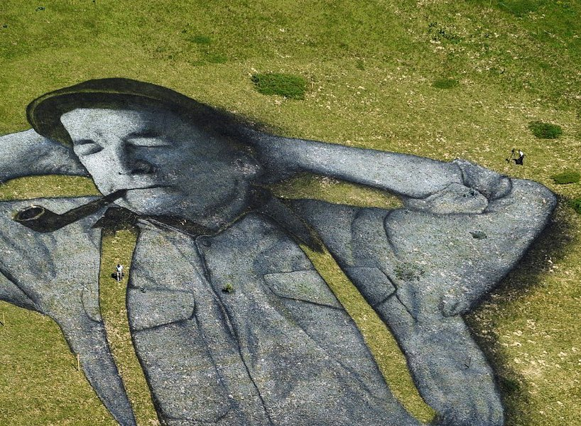 perierga.gr - Εντυπωσιακό γκράφιτι στα βουνά της Ελβετίας!