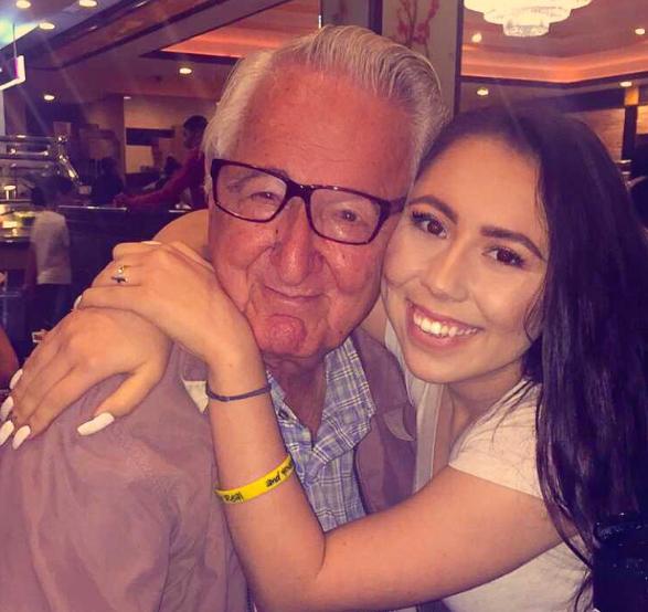 perierga.gr - 82χρονος μαζί στο πανεπιστήμιο με την εγγονή του!