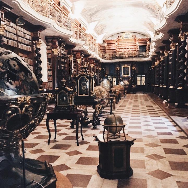 Πανέμορφες βιβλιοθήκες στον κόσμο φωτογραφημένες με iPhone!