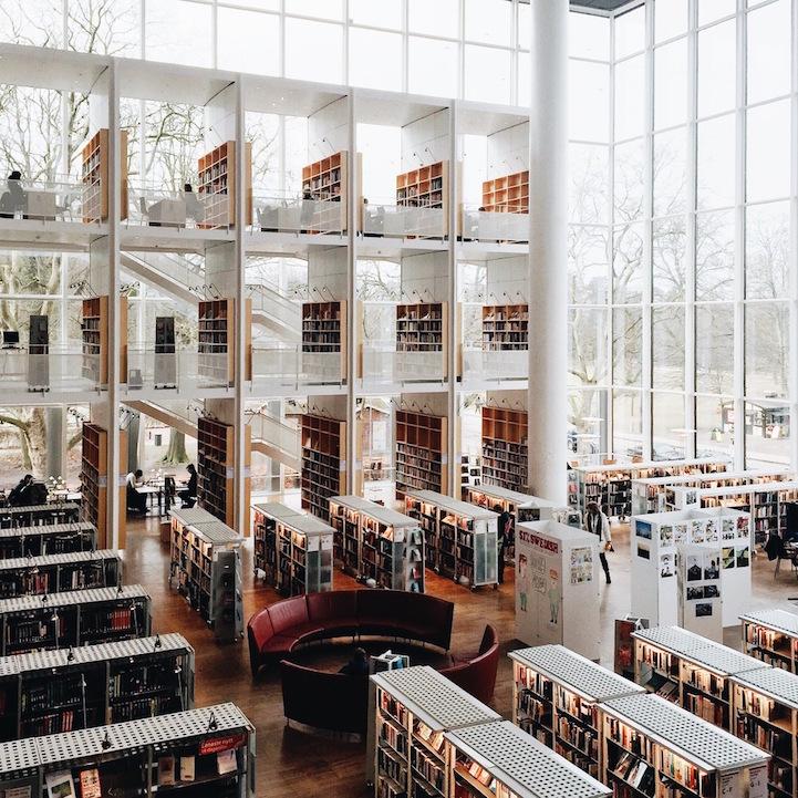 perierga.gr - Πανέμορφες βιβλιοθήκες στον κόσμο φωτογραφημένες με iPhone!