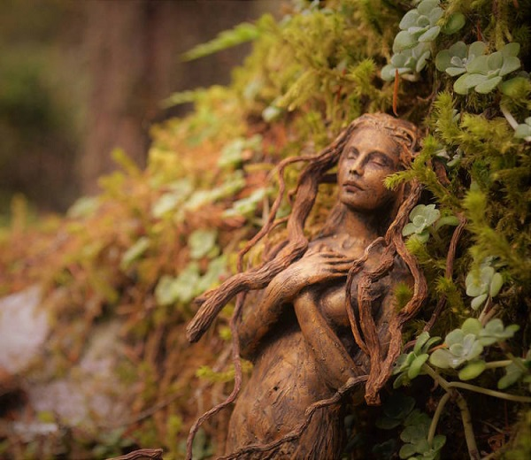 perierga.gr - Γλυπτά πλήρως ενσωματωμένα στη φύση!