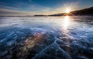 perierga.gr - Παγώνουν τα κύματα στη λίμνη Βαϊκάλη!