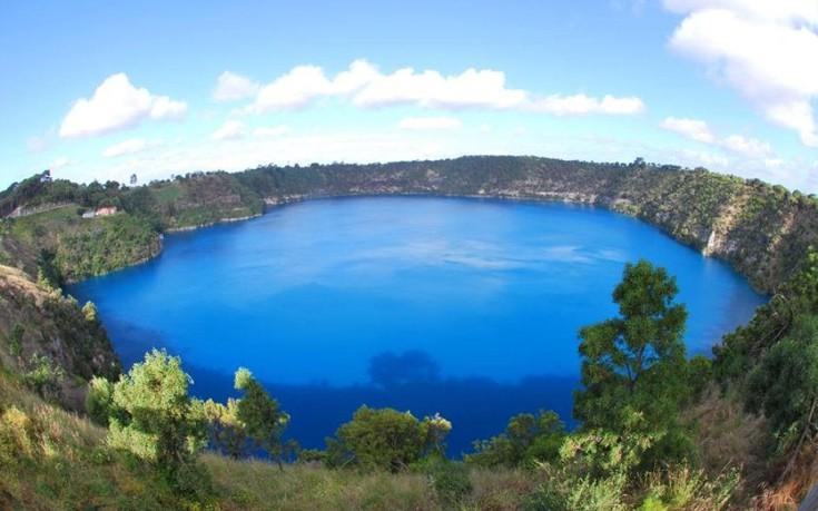 Perierga.gr - Λίμνες σε κρατήρες ηφαιστείων