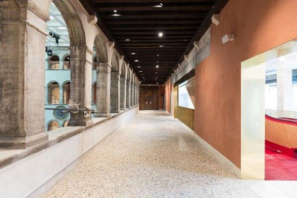 "perierga.gr - Ιστορικό παλάτσο στη Βενετία ""μεταμορφώθηκε"" σε εμπορικό κέντρο!"