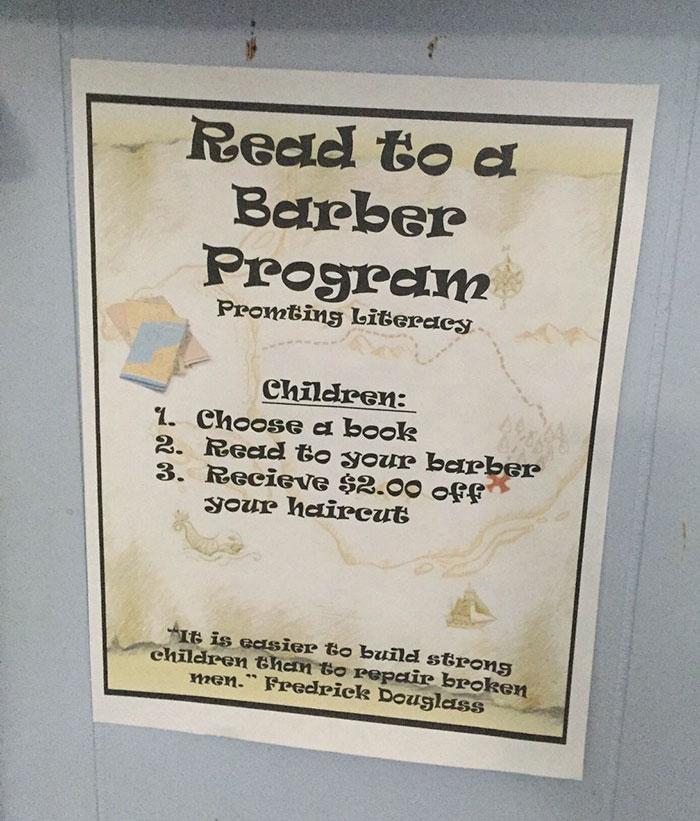 perierga.gr - Κουρέας επιστρέφει χρήματα στα παιδιά που... διαβάζουν δυνατά!