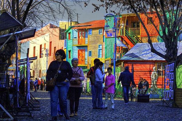 perierga.gr- La Boca: Η πολύχρωμη γειτονιά του Μπουένος Άιρες!