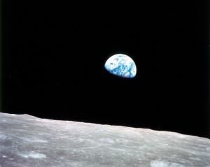 Η… ανατολή της Γης όπως φαίνεται από το φεγγάρι!