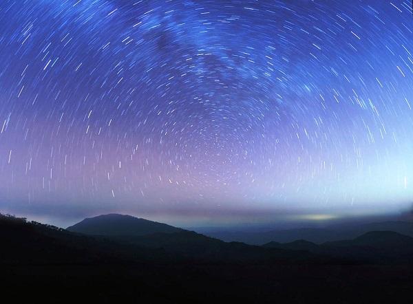 """perierga.gr - """"Πεφταστέρια"""" στον ουρανό για δύο μέρες!"""