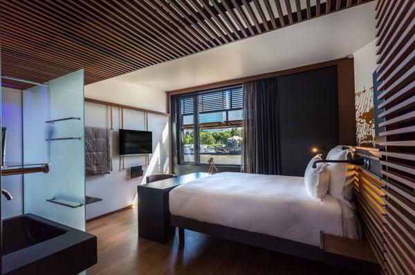 perierga.gr - Πλωτό ξενοδοχείο στον Σηκουάνα!