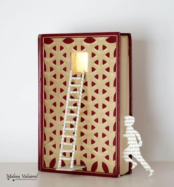 Απίθανα γλυπτά σε σελίδες βιβλίων!