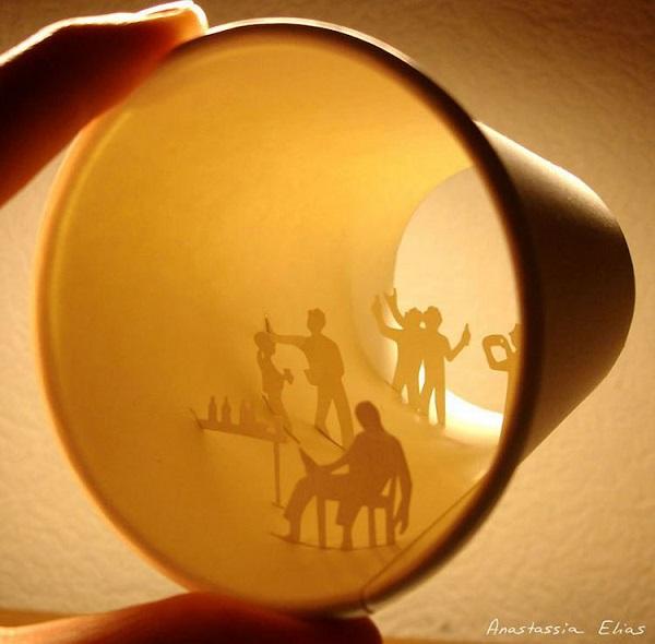 perierga.gr - Υπέροχα σκηνικά μέσα σε χάρτινα κύπελλα καφέ!