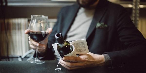 perierga.gr - Διηγήματα τυπώνονται σε ετικέτες κρασιών!