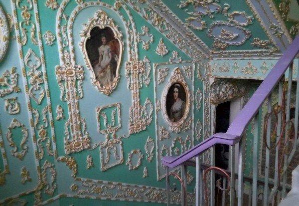 Perierga.gr-Ουκρανικό ξενοδοχείο μετατρέπεται σε γαλλικό κάστρο του 17ου αιώνα