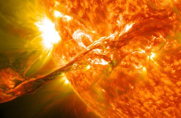 perierga.gr - Τι θα συμβεί αν ο ήλιος... εκραγεί;