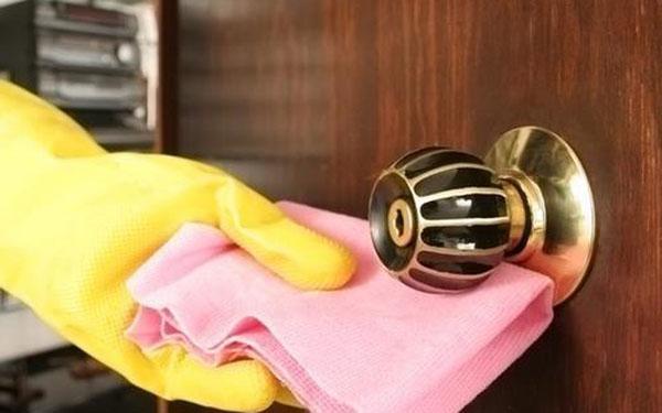 Perierga.gr-Τα δέκα πιο βρώμικα αντικείμενα που πιάνουμε κάθε μέρα