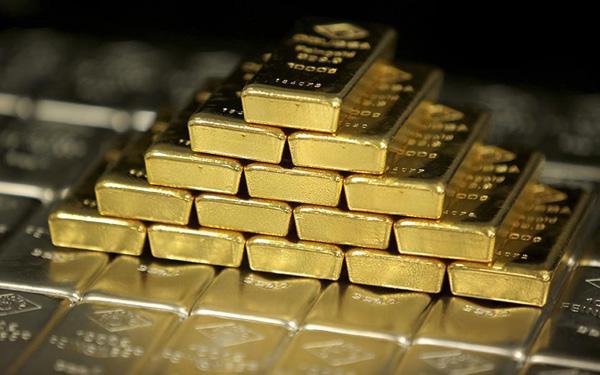 Perierga.gr-Άνδρας βρήκε χρυσάφι αξίας 3,5 εκατ. ευρώ μέσα στο σπίτι που κληρονόμησε