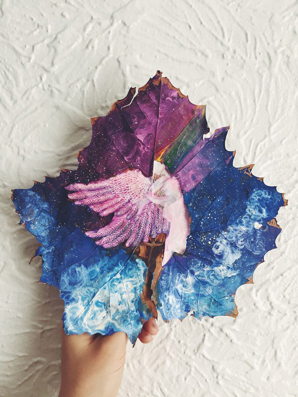Perierga.gr-Εντυπωσιακή ζωγραφική πάνω σε φθινοπωρινά φύλλα
