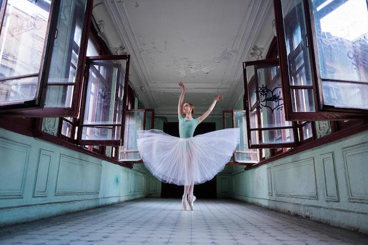 perierga.gr - Συνδυάζοντας το μπαλέτο με την αρχιτεκτονική!