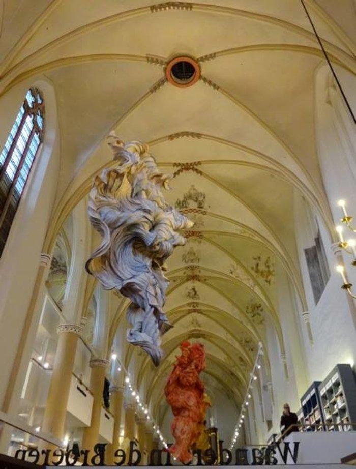 perierga.gr - Εκκλησία μεταμορφώθηκε σε βιβλιοπωλείο!