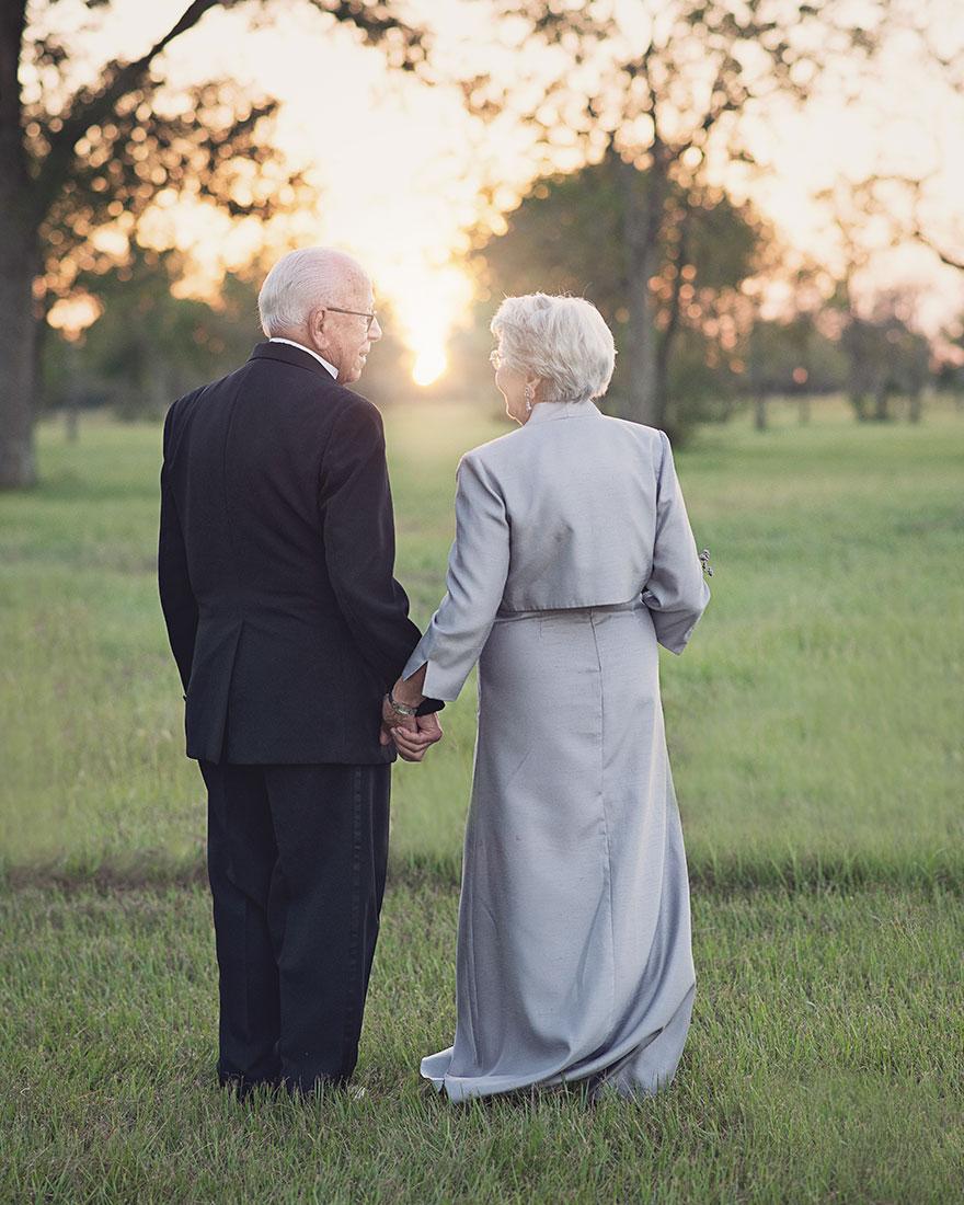 perierga.gr - Τράβηξαν τις γαμήλιες φωτογραφίες τους 70 χρόνια μετά τον γάμο τους!