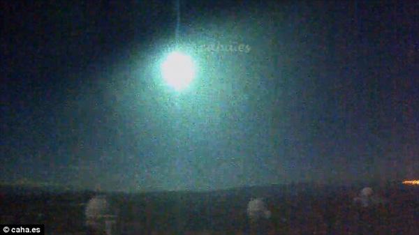 Perierga.gr-Απίστευτο βίντεο από τη στιγμή πρόσκρουσης μετεωρίτη στην Ισπανία