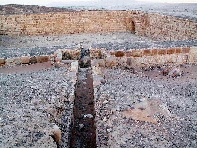 perierga.gr - Το πρώτο μολυσμένο ποτάμι της ιστορίας έρεε στην Ιορδανία 7.000 χρόνια πριν!