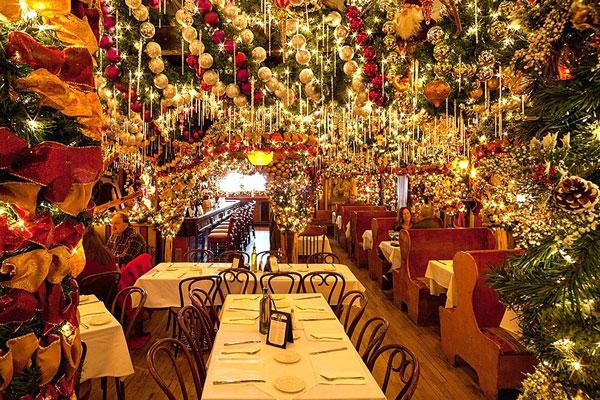 perierga.gr - Εστιατόριο ξοδεύει 60.000 δολάρια για χριστουγεννιάτικη διακόσμηση!