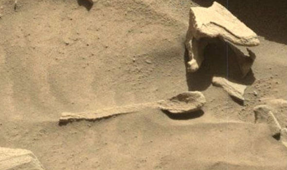 perierga.gr - Τι κάνει ένα κουτάλι στον πλανήτη Άρη;