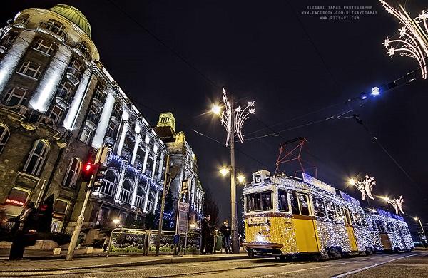 perierga.gr - Το γιορτινό τραμ της Βουδαπέστης!