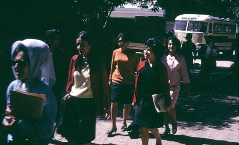 perierga.gr - Πώς ήταν οι γυναίκες στο Ιράν και το Αφγανιστάν πριν τα θεοκρατικά καθεστώτα