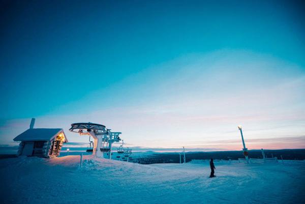perierga.gr-Μαγευτικές φωτογραφίες από την κατάλευκη Φινλανδία