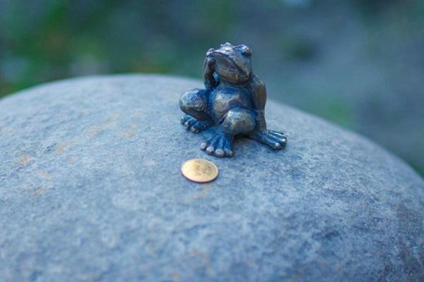 perierga.gr - Το μικρότερο μνημείο στον κόσμο!