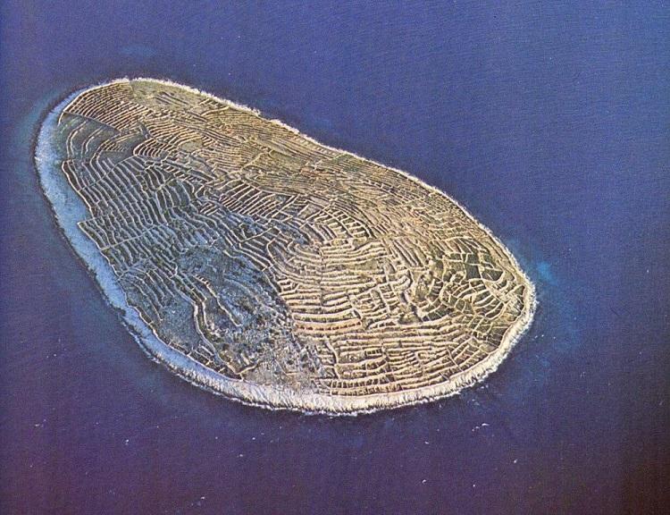 perierga.gr - Κροατικό νησί μοιάζει με τεράστιο δακτυλικό αποτύπωμα!