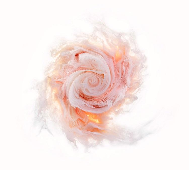 perierga.gr - Πολύχρωμα λουλούδια δημιουργούνται στο νερό!