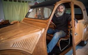 Αυτοκίνητο κατασκευασμένο από... ξύλο!
